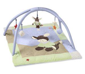 baby krabbeldecke mit spielbogen modelle tipps anleitung zum n hen. Black Bedroom Furniture Sets. Home Design Ideas